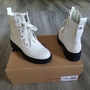 UGG Daren Hiker Leather Boot